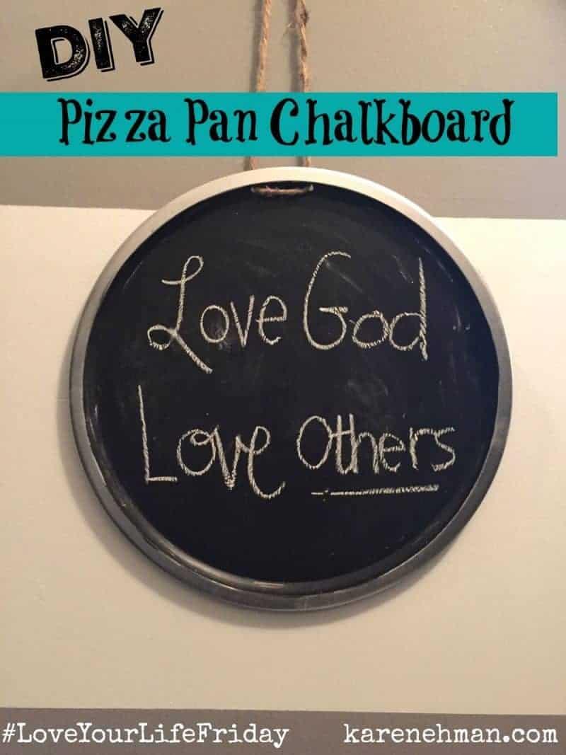 DIY Pizza Pan Chalkboard